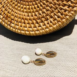 Elegant REAL Sea Shell Golden Earrings